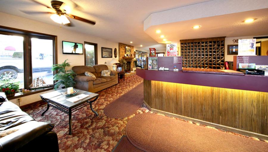 Front Desk Lobby Bavarian Haus Lakefront Inn