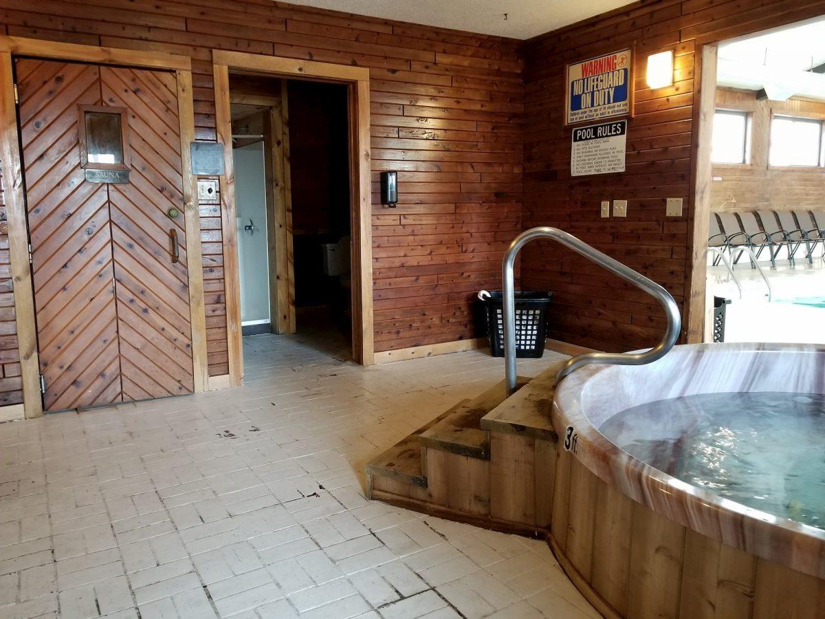 adult area sauna and hot tub
